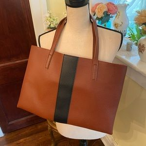 Vince Camuto Pebble Leather Tote Like New!